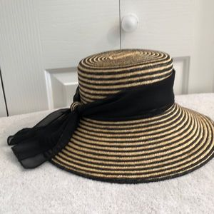 Straw and black striped hat pretty and clean